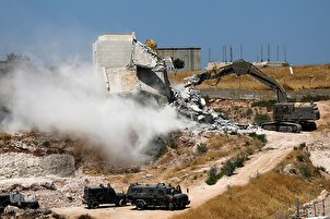 Palestinian Homes near Quds Destroyed by Zionists